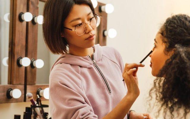 makeup artist a good career option
