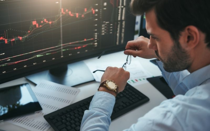 Can stocks be bought after hours?